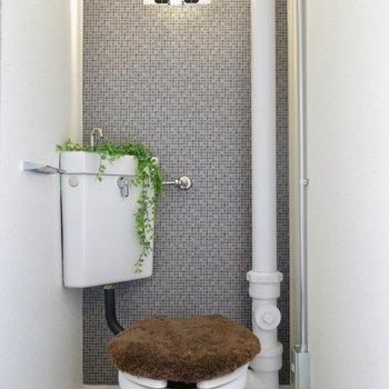 アクセントクロスが素敵なトイレ