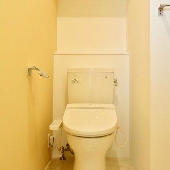 真っ白なトイレ