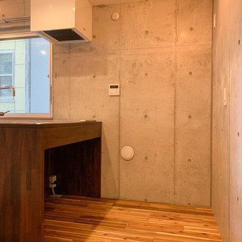 広さもあり、後ろに冷蔵庫なども置けます。※写真は前回募集時のものです