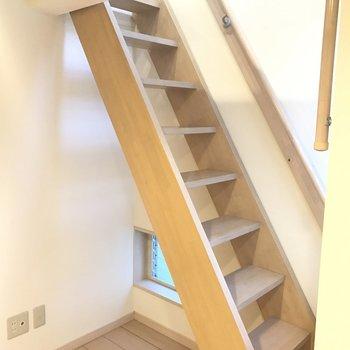 はしごじゃなくて、階段ってテンションあがります♪