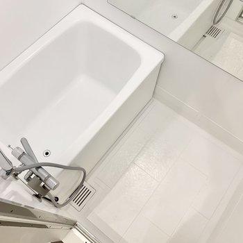 お風呂は塗装してつるっとなめらかに。