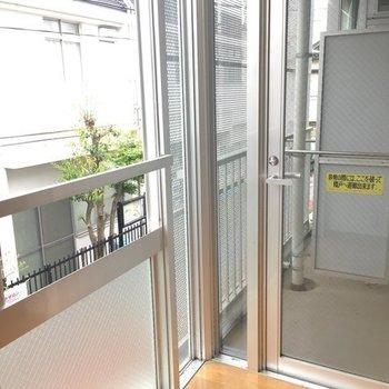 ここにはカーテンがいるな!※写真は2階の同間取り別部屋です