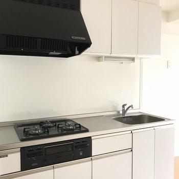 キッチンもグリル付きで機能性バツグン