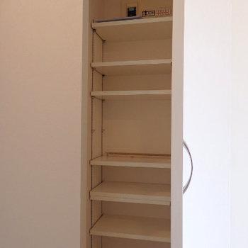 シューズボックス(※写真は2階の同間取り別部屋のものです)