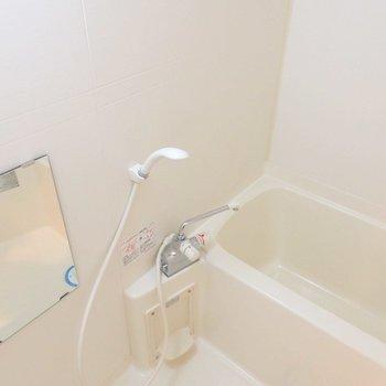 バスルーム、サーモ水栓ですよ。(※写真は10階の同間取り別部屋のものです)