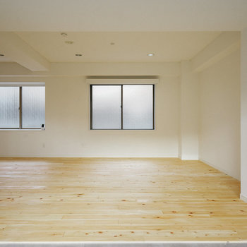 【B2】ヒノキの無垢床を贅沢に。