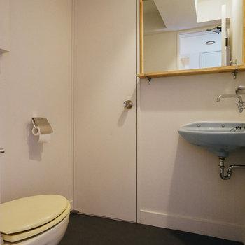 【A2】お手洗い場はこちら。