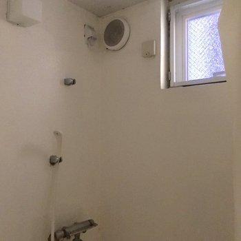 この小窓がいいよねっ※写真はクリーニング前です