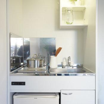 冷蔵庫はキッチン下に。