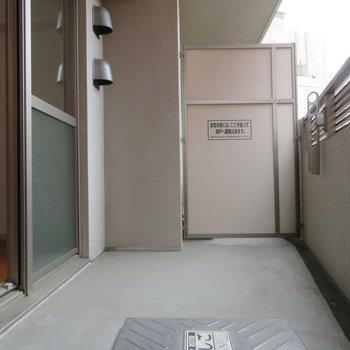 こっちも大きめのバルコニー※写真は4階の同間取り別部屋のものです