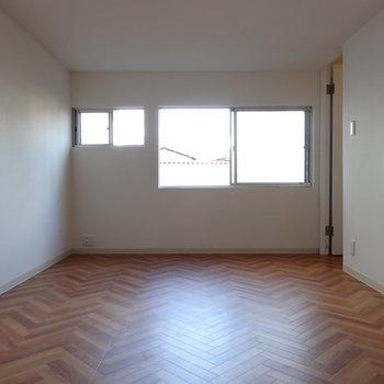 2階奥の部屋はこの上にロフトがあるんです