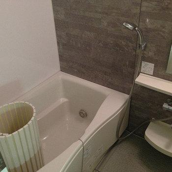 お風呂は広め※画像は同じ間取りの別室です