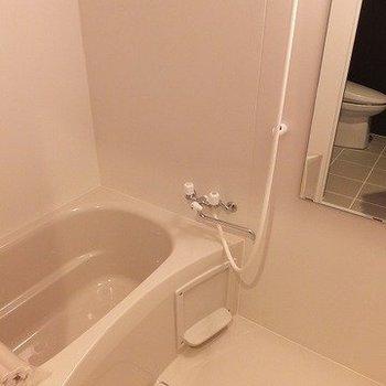 お風呂は普通です。浴室乾燥機付き。※写真は前回募集時のものです