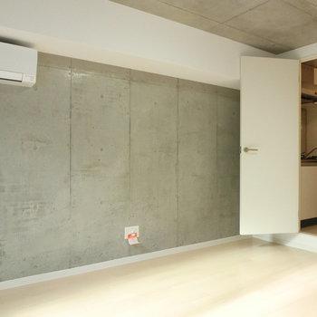 キッチンとエアコンの配置