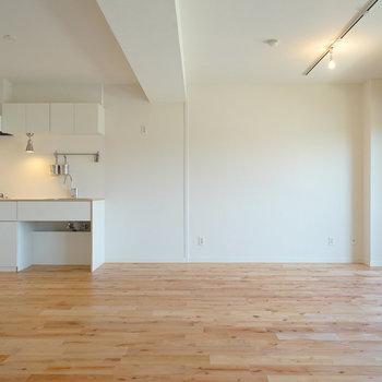2つの部屋を大きな一つの空間に◎※写真は前回施工の402号室