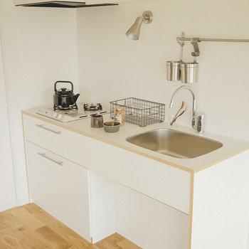 シンプルなキッチンは馴染んでます〜