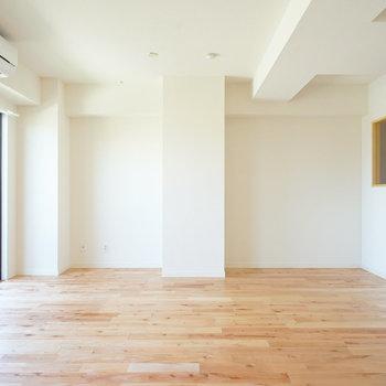 家にいる時間が増えそうです※写真は前回施工の402号室、401号室では小窓はつきません