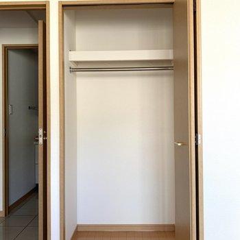洋室②小さめなクローゼットも!(※写真は8階の同間取り別部屋のものです)