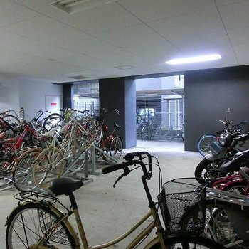 駐輪・駐車スペースございます!