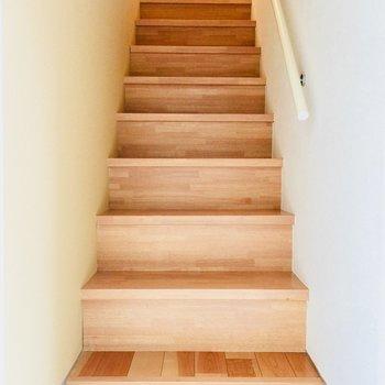 玄関をあけるとまず階段