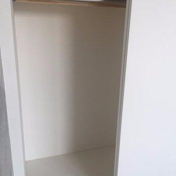 ※写真は別部屋ですクローゼット