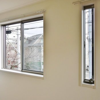 南面に窓があって日当たりもバッチリ。※写真は、前回撮影時のもの