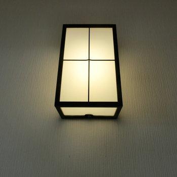 玄関の照明の雰囲気