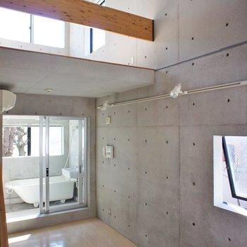この天井!いいですね※写真は同間取りの別部屋です。