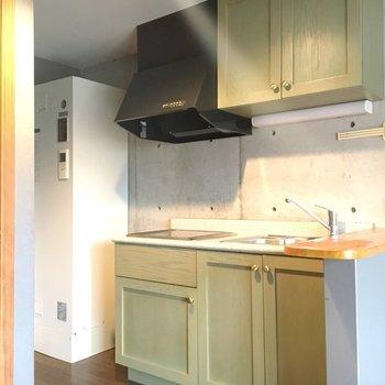 アウトドアな雰囲気のキッチン!