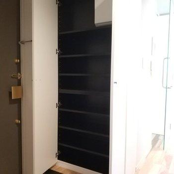 パカっと。※写真は4階の同間取り別部屋のものです