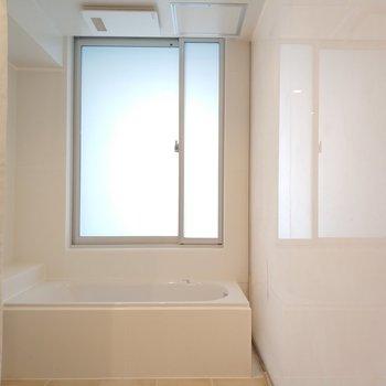 浴槽です。※写真は4階の同間取り別部屋のものです