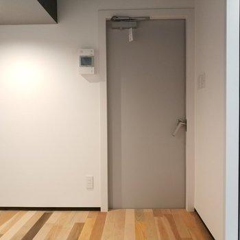 ピアノも置けますね!※写真は4階の同間取り別部屋のものです