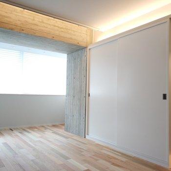 光もたっぷり。※写真は4階の同間取り別部屋のものです