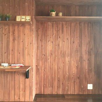 奥まったスペースはどう使おうかな〜。持っている本棚なんかをはめ込んじゃっても◎