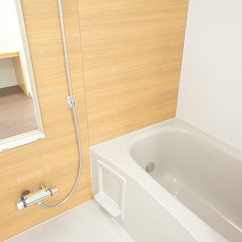 新しいお風呂も!※写真は前回施工のお部屋