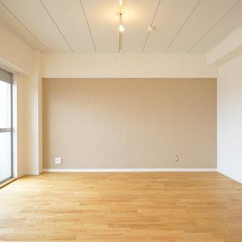 ずどーんと大きいリビングスペース※写真は前回施工のお部屋