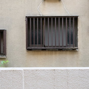 眺望はお隣さんの壁です・・・!