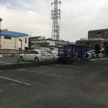 駐車場は13,000円(月額)