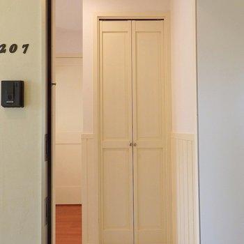 シューズボックスの扉、かわいい~!