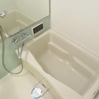 お風呂もとっても綺麗です(※写真は10階の同間取り別部屋のものです)