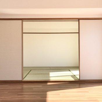 リビング横には6畳の和室