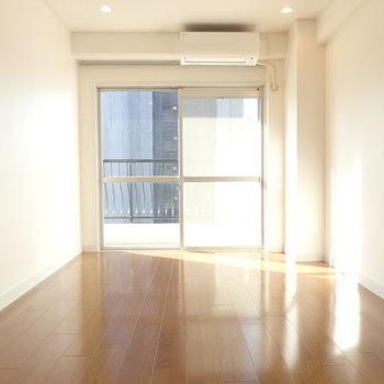 LDKに隣接した洋室は6帖ほど。(※写真と文章は前回募集時のものです)