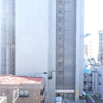 前に建物は建っていますが、嫌な感じはありませんでした!(※写真と文章は前回募集時のものです)