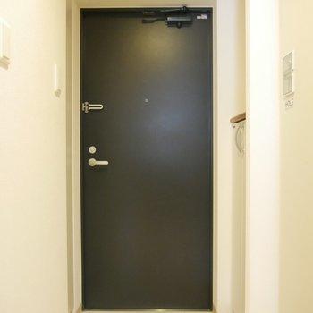 スタイリッシュな玄関です◎