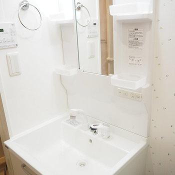 使い勝手のよい洗面台。