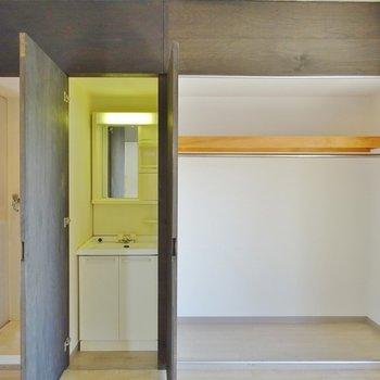 洗面とクローゼット※写真は別室です。