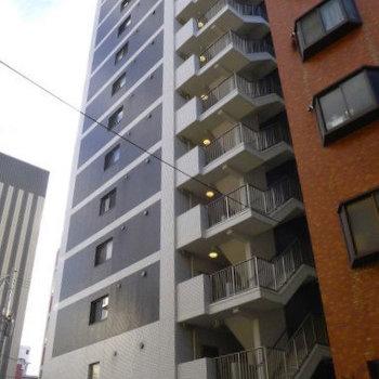 14階建てのマンションです。