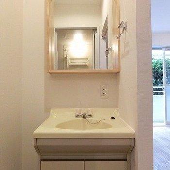 木枠がポイントの洗面台に(※写真は前回募集時のもの)