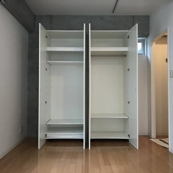 収納はひとり暮らしには充分!※写真は3階の同間取り別部屋のものです