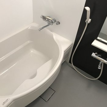 お風呂は大きいです